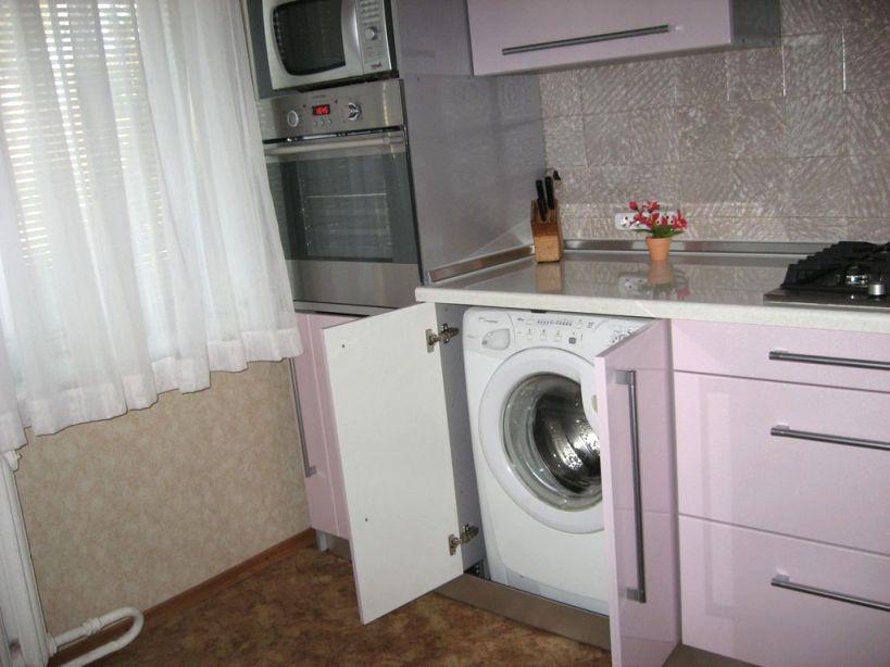 стиральная машина тоже встроена