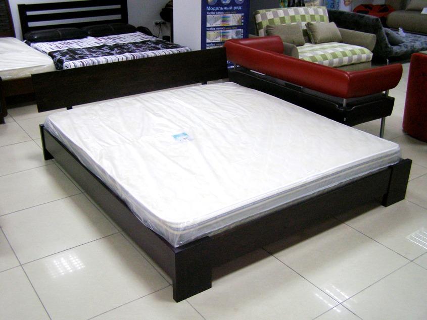 """Кровать """"Титан"""" из натурального дерева"""