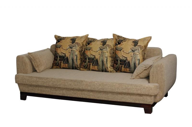 "На подушках: гобелен; основа дивана: жаккард   или ткань ""астра"""