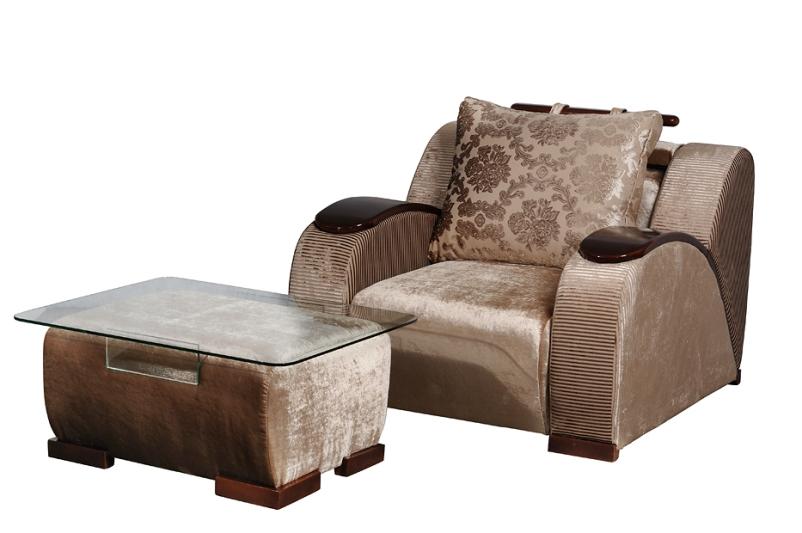 Удачный комплект: кресло и столик