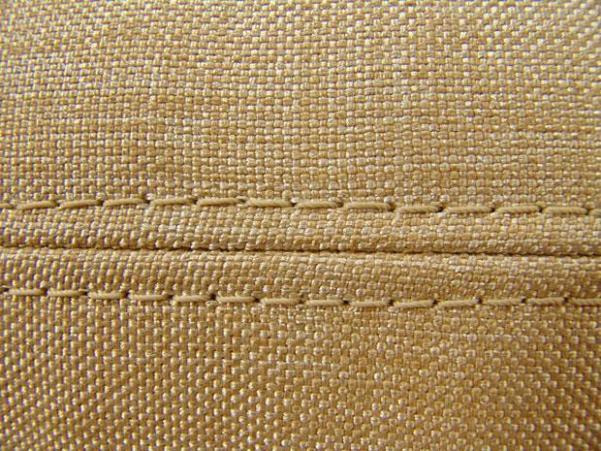 нитки швов  очень прочные
