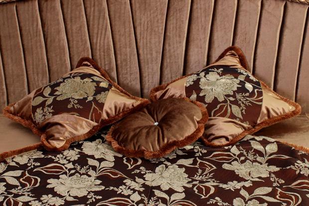 Подушка КВ-08 (45x45) коричневая